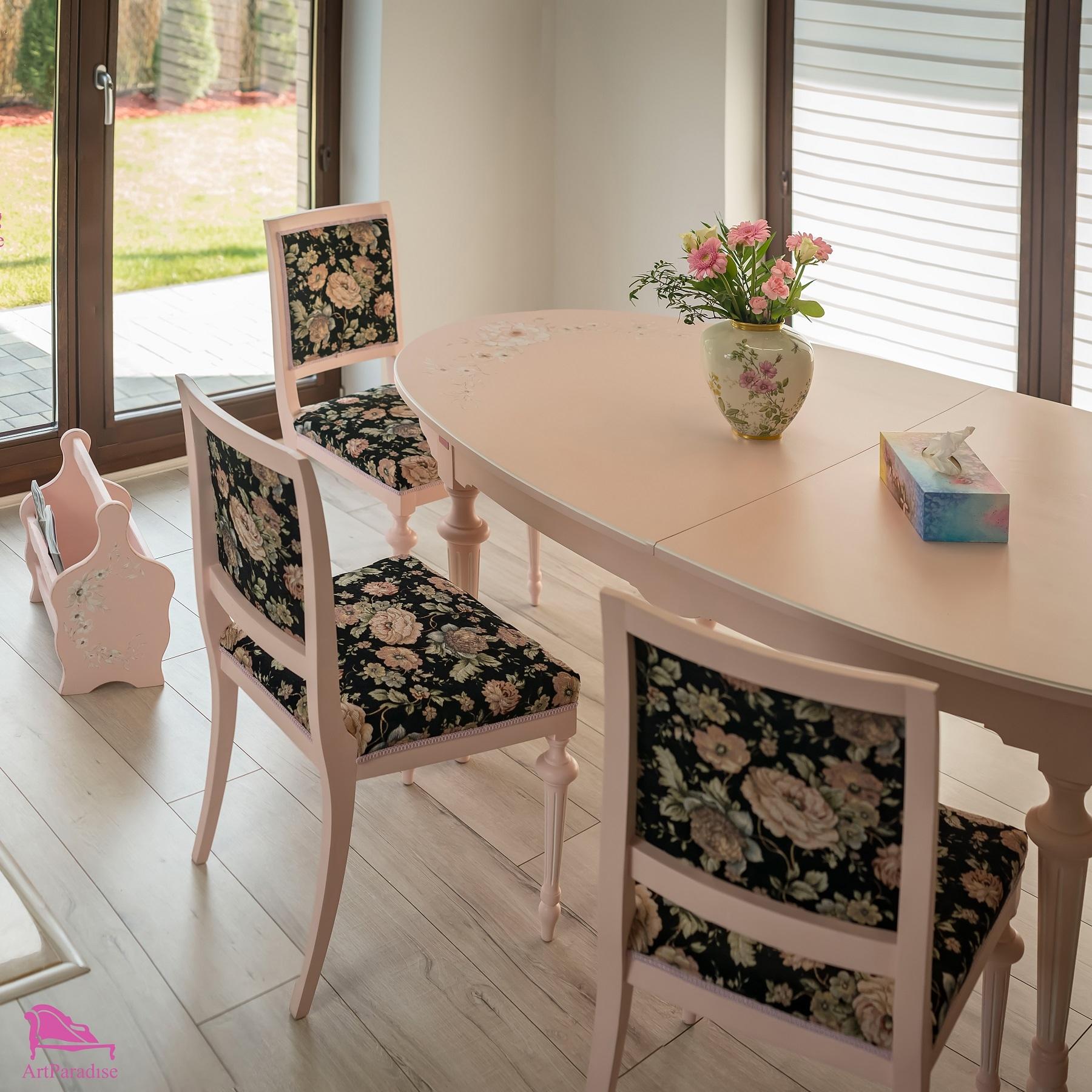Eklektyczny Stół Z Krzesłami Pudrowa Peonia Stoły